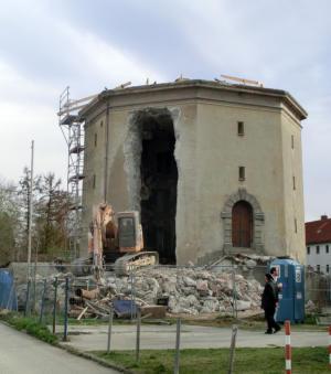 Hochbunker am Örtelplatz im Umbau